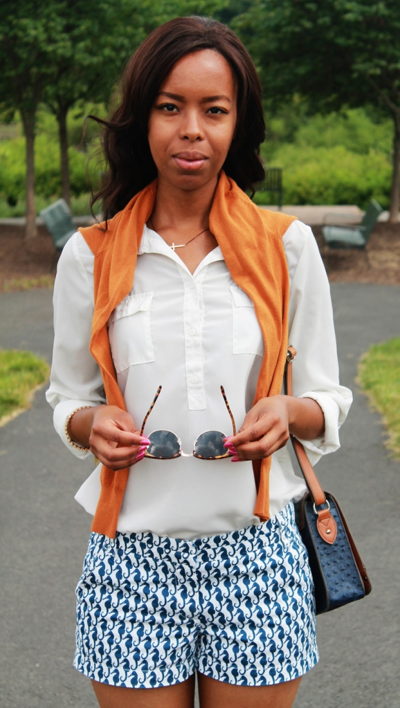styling_nimo_blue_seahorse_shorts_burnt_orange_1